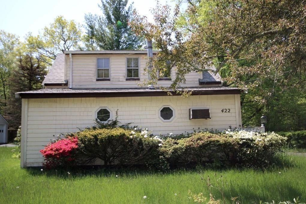 422 County Rd, Hanson, MA 02341