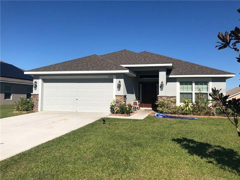 Photo of 1295 Legatto Loop, Dundee, FL 33838