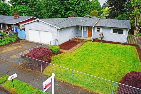 18942 Ne Davis St, Portland, OR 97230