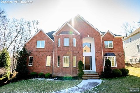 Photo of 3 Beacon Hill Rd, Florham Park, NJ 07932