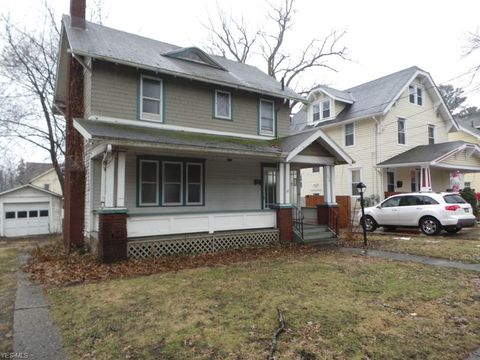 Photo of 1074 Bloomfield Ave, Akron, OH 44302