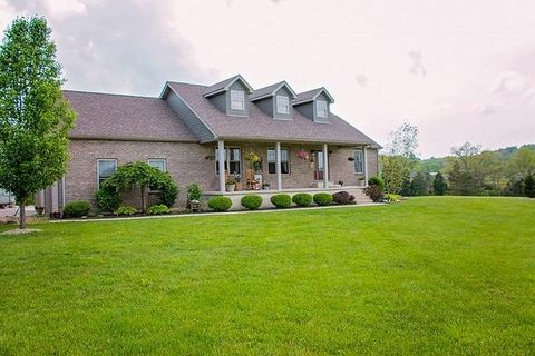 215 Victory Ln, Tiffin Township, OH 45693