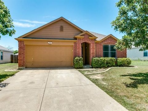 820 Sage Meadow Dr, Glenn Heights, TX 75154