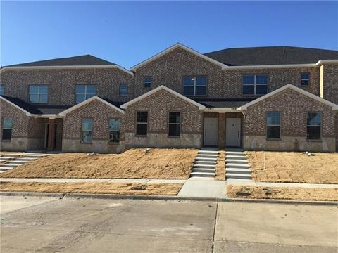 Photo of 1934 Timber Oaks Dr, Garland, TX 75040