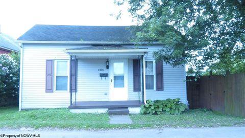 1305 Livingston Ave, Elkins, WV 26241