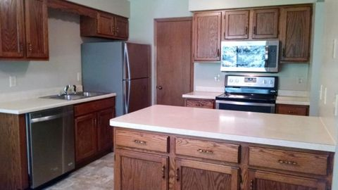 993 Heritage Ct E Unit 304, Vadnais Heights, MN 55127
