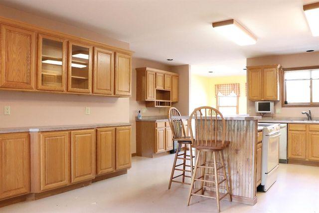 6346 Newtonsville Rd, Wayne Township, OH 45162 - Kitchen