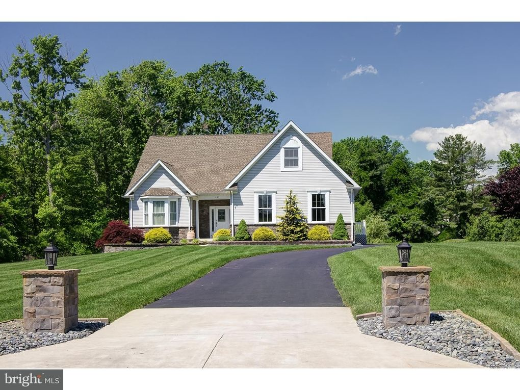 285 Sharp Rd, Evesham Township, NJ 08053 - realtor.com®