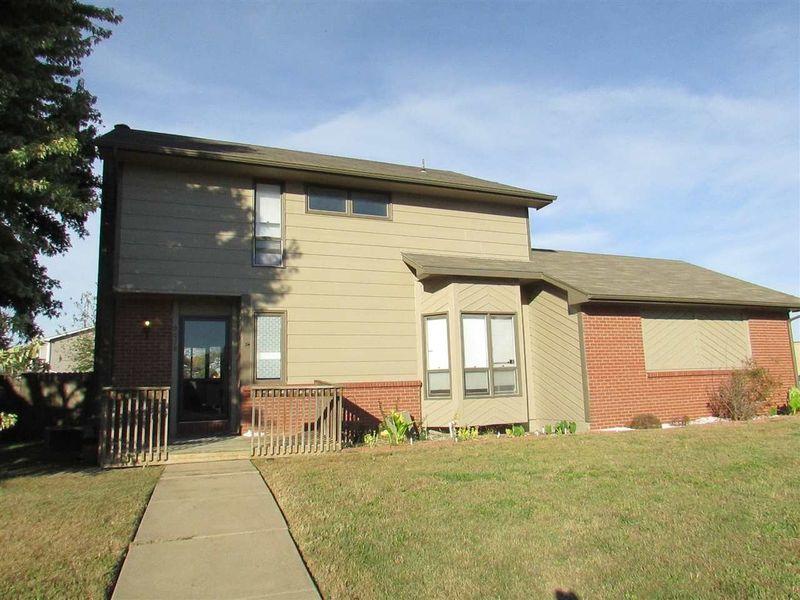 9038 E Skinner St Wichita Ks 67207 Home For Sale Real Estate