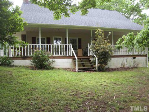 Photo of 1542 Clearwater Lake Rd, Chapel Hill, NC 27517