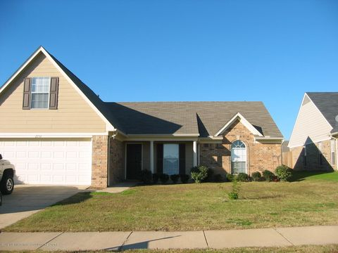 Photo of 2756 Russum Dr, Southaven, MS 38672