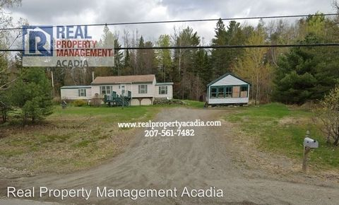Photo of 132 Old Town Rd, Hudson, ME 04449