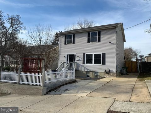 Photo of 3902 Lawrence St, Brentwood, MD 20722