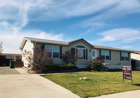 1405 Lime Creek Ave, Gillette, WY 82716