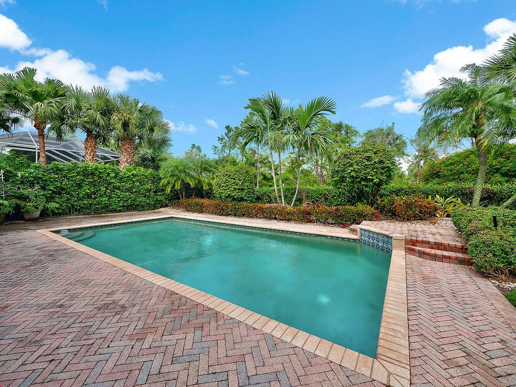 125 Banyan Isle Dr, Palm Beach Gardens, FL 33418