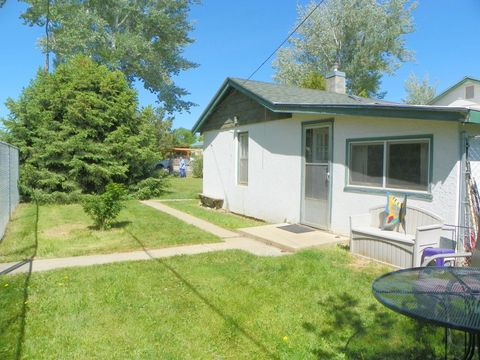 321 1st St, Big Horn, WY 82833