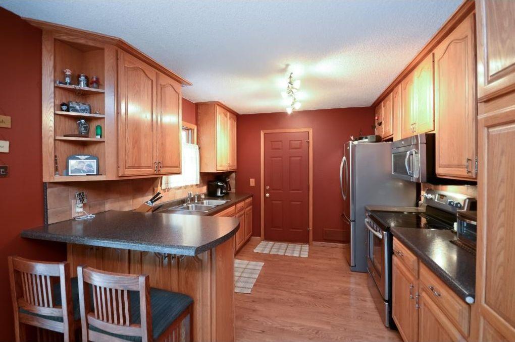 10805 Quaker Ln N, Maple Grove, MN 55369