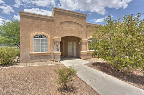 1888 W Demetrie Loop, Green Valley, AZ 85622