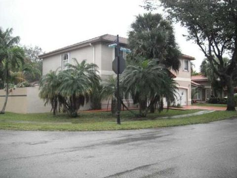 8989 Nw 188th Ter, Miami, FL 33018