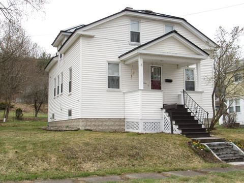 Photo of 16 Hartford St, Claremont, NH 03743