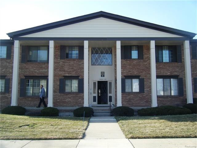 20813 Eastlawn St, Saint Clair Shores, MI 48080