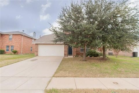 Photo of 1013 Maidenhair Ln, Crowley, TX 76036