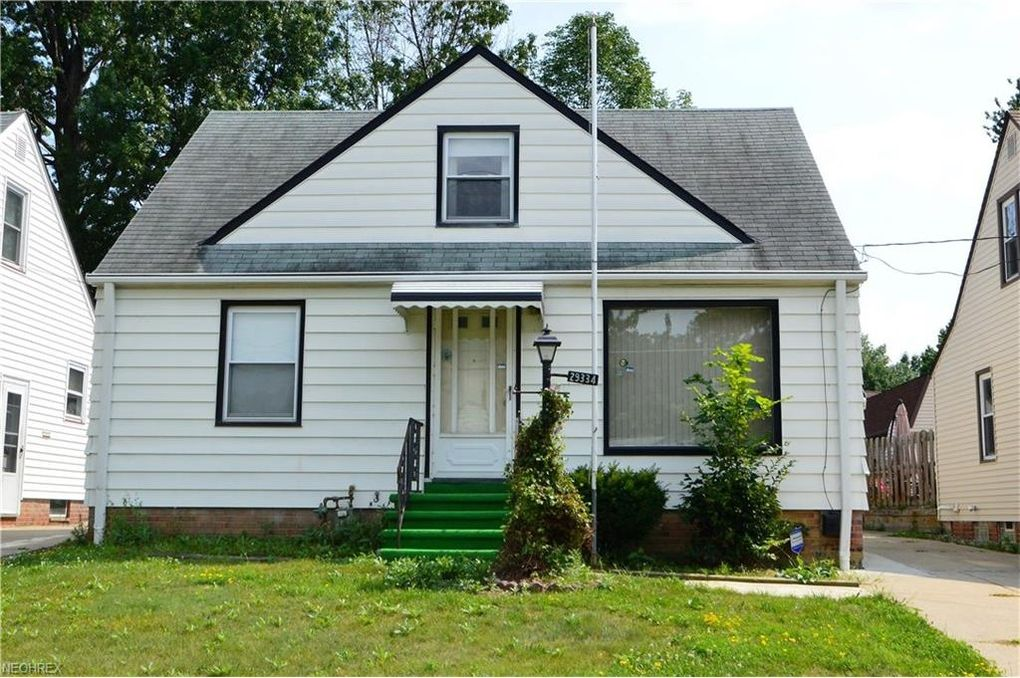 29334 Park St, Wickliffe, OH 44092