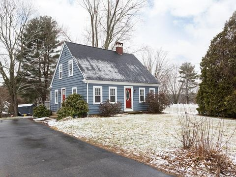 55 Central St, Southborough, MA 01745
