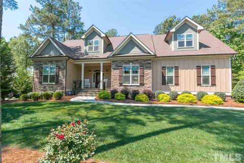 205 Rivers Edge Dr, Youngsville, NC 27596
