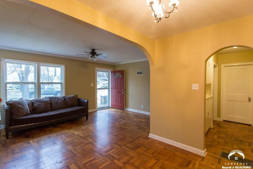 2013 Tennessee St, Lawrence, KS 66046
