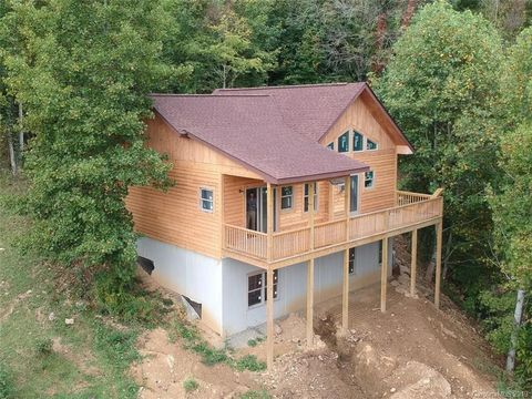 Photo of 215 Appalachian Trl, Maggie Valley, NC 28751