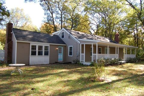 Photo of 465 Cross St, Boylston, MA 01505