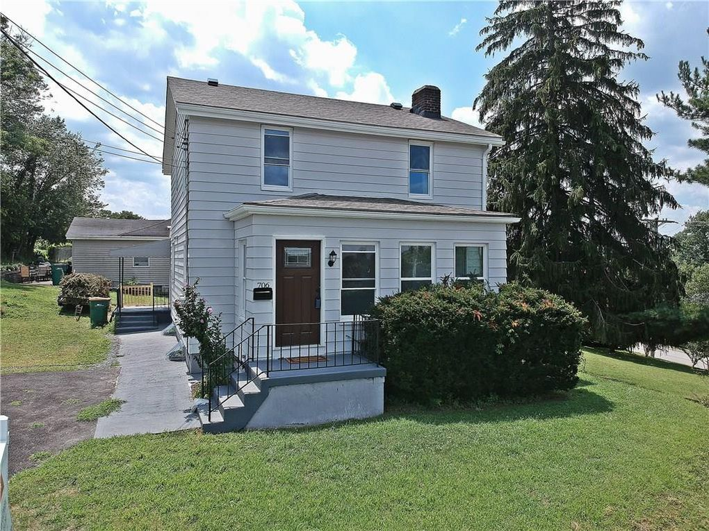 706 Midway Dr Pittsburgh, PA 15215