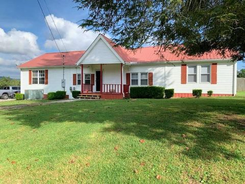 Photo of 315 Hugh Jones Rd, Sunbright, TN 37872