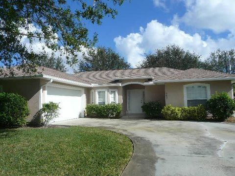 Photo Of 462 Biscayne Ln Sebastian Fl 32958