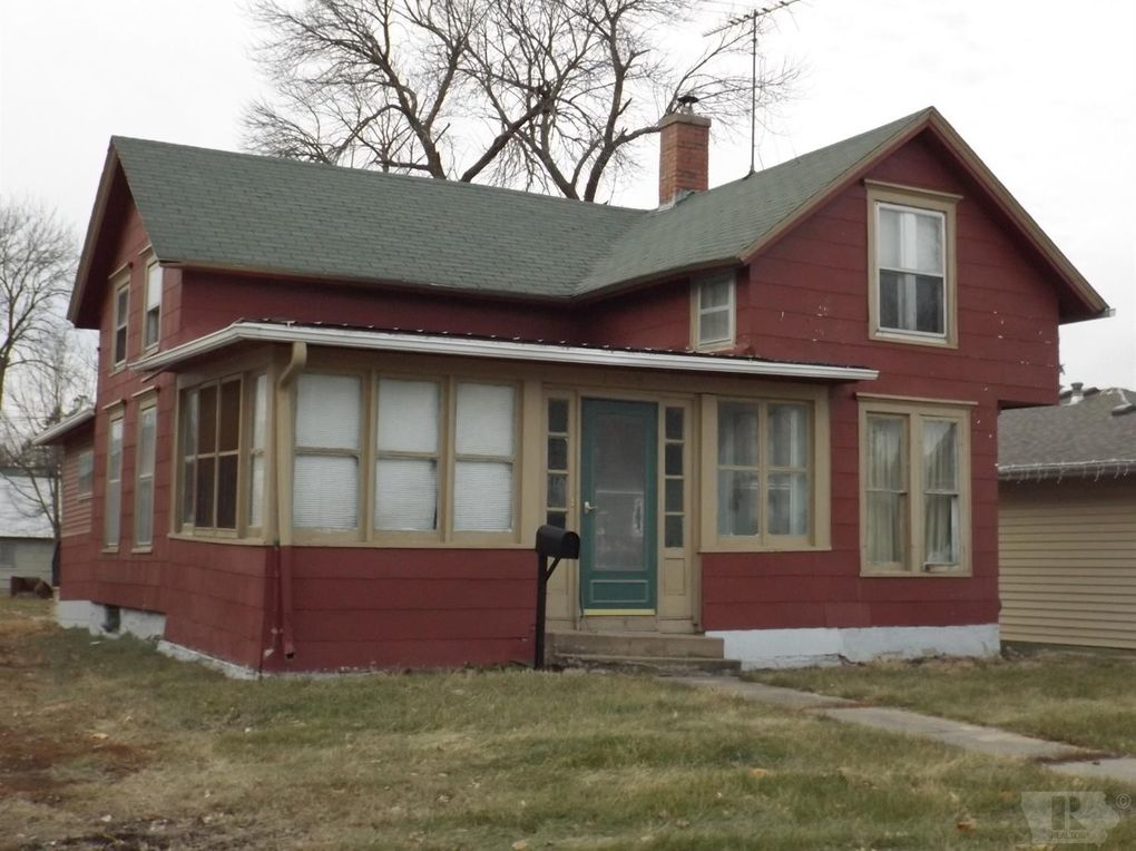 1203 West St, Grinnell, IA 50112