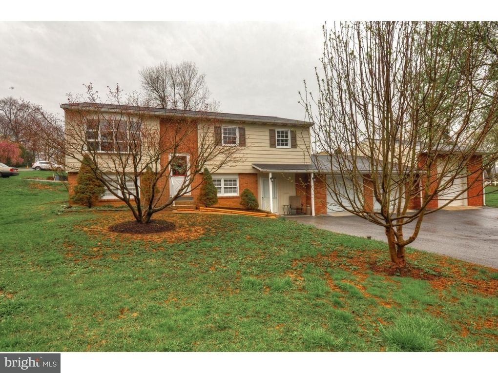 4 Brookview Dr, Boyertown, PA 19512 - realtor.com®