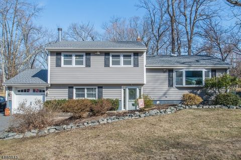 Photo of 22 Hopper St, Oakland, NJ 07436