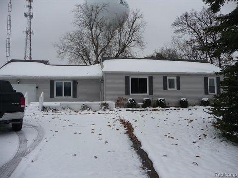 Photo of 4402 Baldwin Rd, Grand Blanc, MI 48442