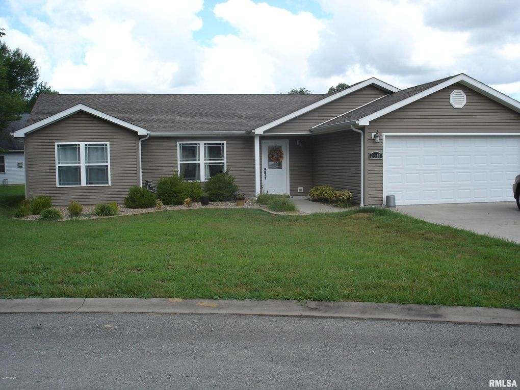 2011 Creekwood Rd Carbondale, IL 62901