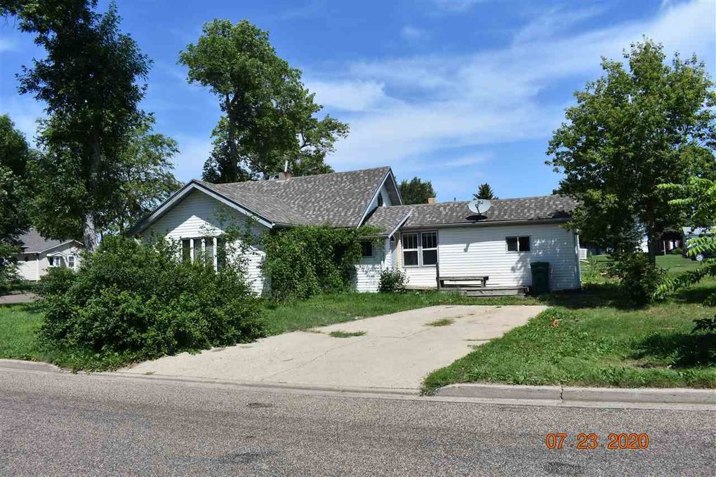 205 2nd Ave SE Garrison, ND 58540
