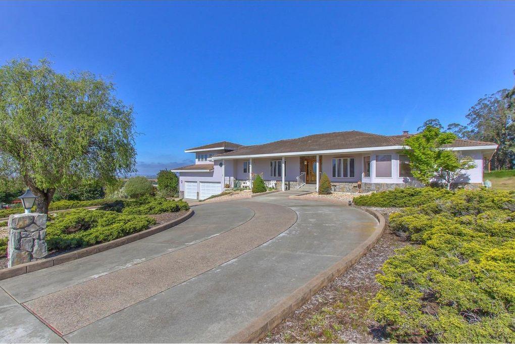 18362 Meadow Ridge Rd, Salinas, CA 93907