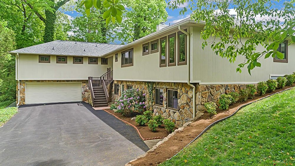 7100 Westland Dr, Knoxville, TN 37919