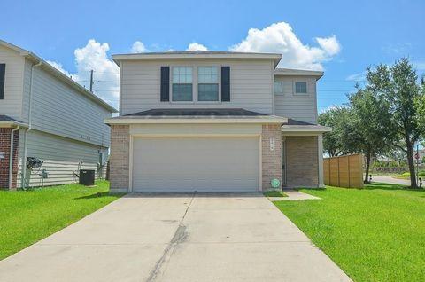 9019 Summer Valley Ln, Richmond, TX 77407