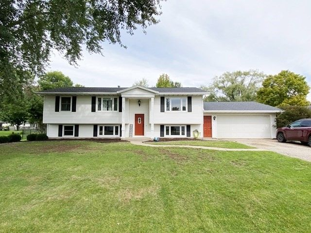 1307 E 22nd St Marshfield, WI 54449