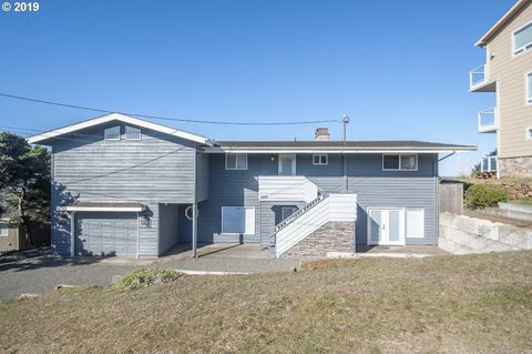 Photo of 5019 Nw Jetty Ave, Lincoln City, OR 97367