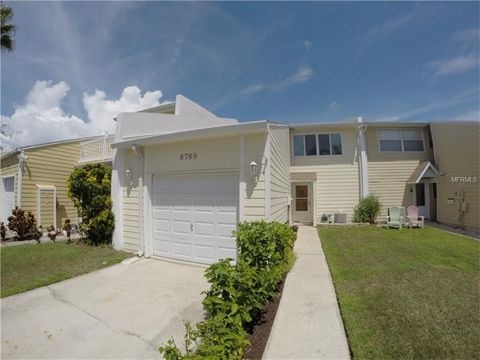 8769 Bay Pointe Dr Tampa FL 33615
