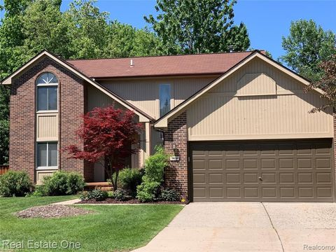 Photo Of 7424 Tall Timbers West Bloomfield Township Mi 48322 Condo Townhome