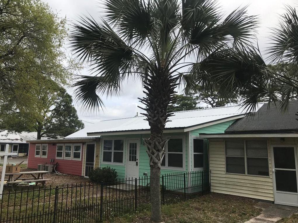 50 E Pine St Unit 3, Carrabelle, FL 32322