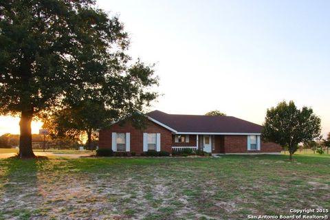 1144 Country View Dr, La Vernia, TX 78121